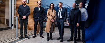 von links nach rechts im Bild Tobias von dem Borne/Kamera, David Nawrath/Regie, Paula Beer, Sebastian Koch, Al Munteanu/Square One, Thomas Hroch/Mona Film