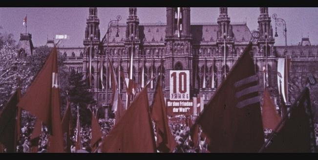 Kundgebung zum ersten Mai 1955 vor dem Wiener Rathaus