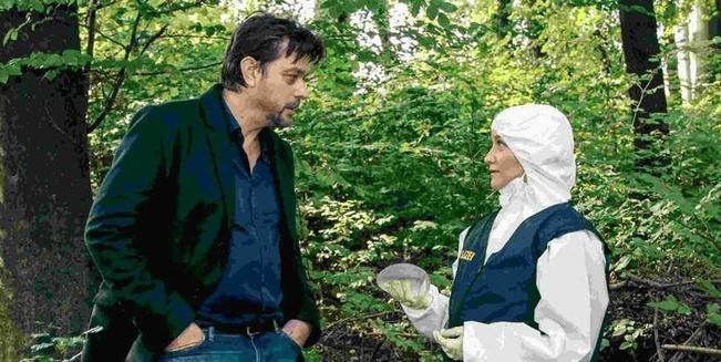 Ermitteln am Tatort: Sascha Bergmann (Hary Prinz) und Eva Merz (Eva Herzig)